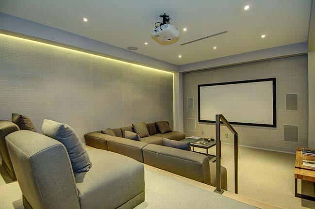 Enjoy the luxury villa overlooking the beautiful city