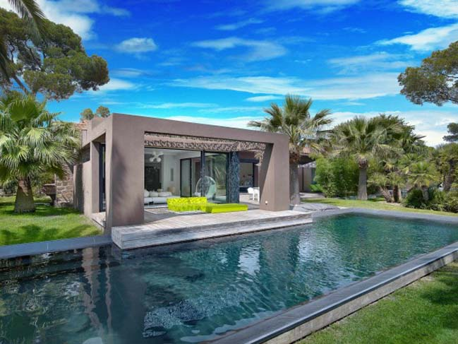 Beautifully Landscaped Villa In Saint Raphael