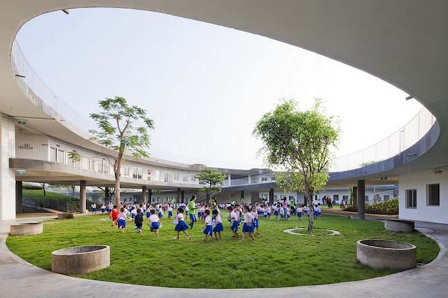 Green kindergarten in Vietnam by Vo Trong Nghia