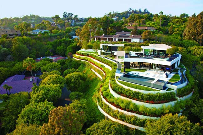Luxury villa in Beverly Hills