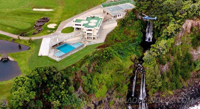 Water Falling villa in Hawaii