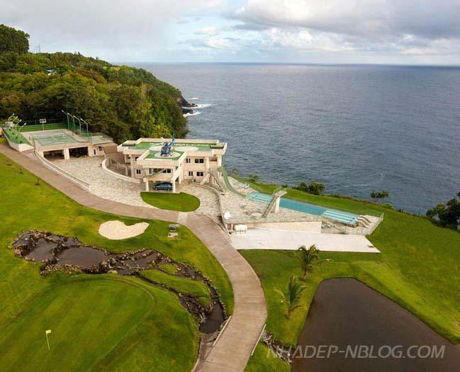 Water Falling villa in Hawaii