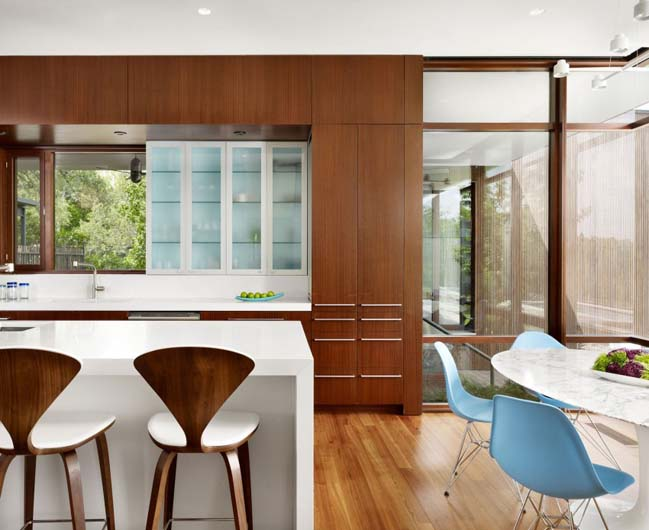 Lake View Residence by Alterstudio