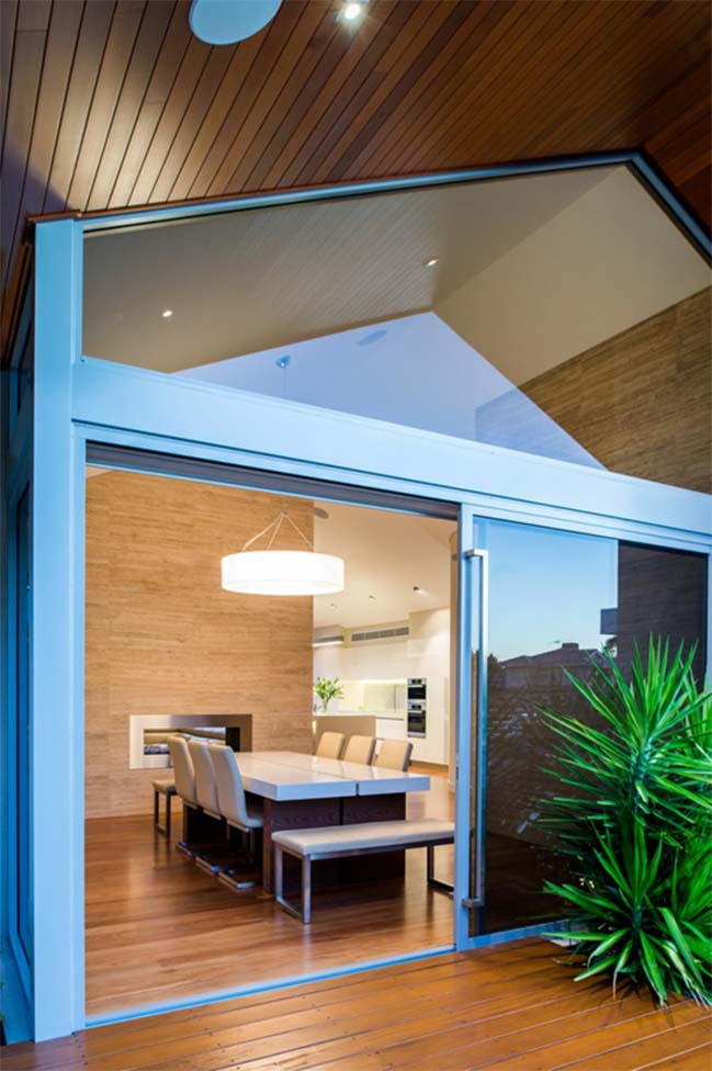 Open gable pitched roof house by Mountford Architects