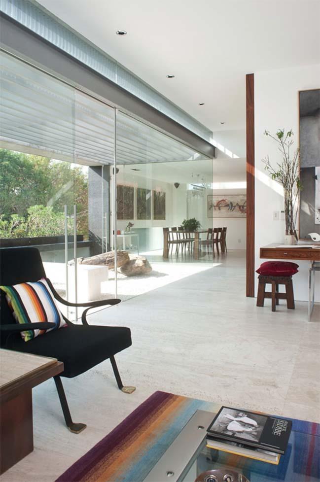 Modern penthouse by Gantous Arquitectos