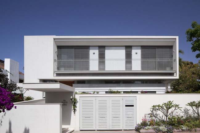 Herzeliyya House by Amitzi Architects