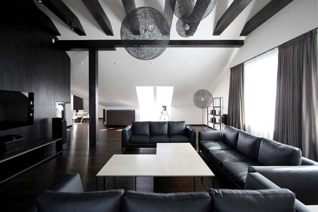 Black and white penthouse in Russia