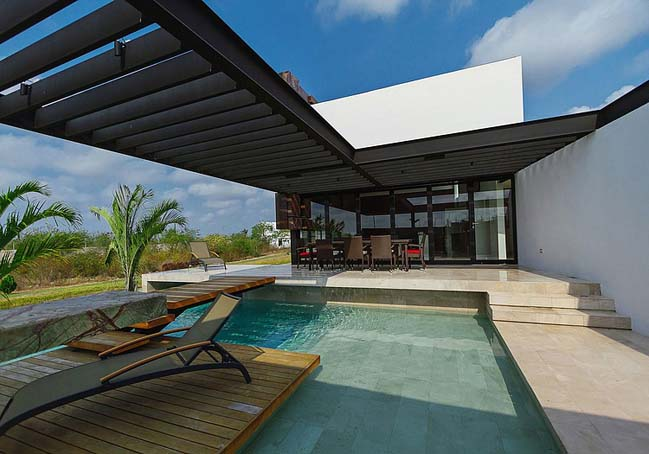PL2 House: Luxury villa in Mexico