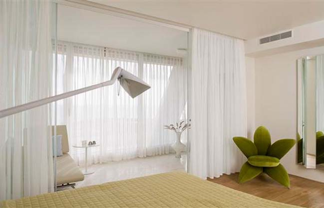 Before and after of modern apartment in Tel Aviv