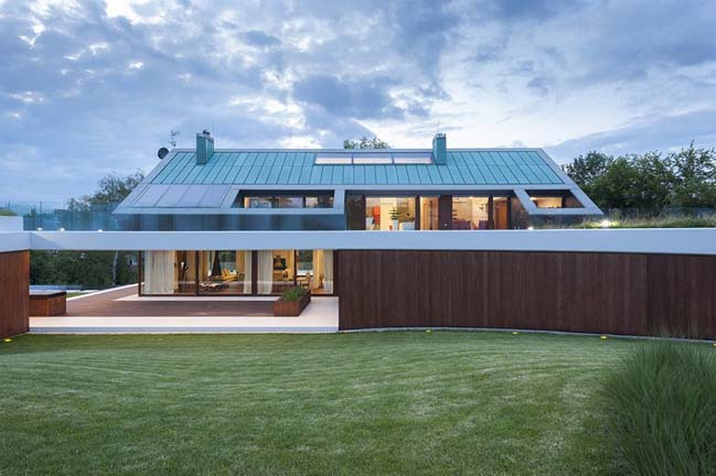 The Edge House by Mobius Architecture