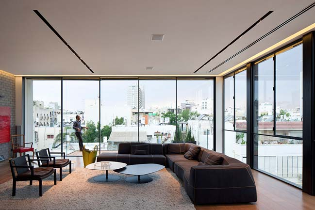 Luxury townhouse in Tel Aviv by Pitsou Kedem Archtiect