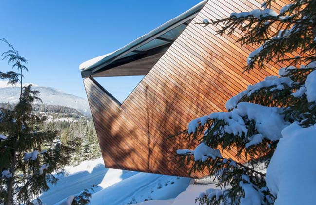 Polygonal house in Canada by Patkau Architects
