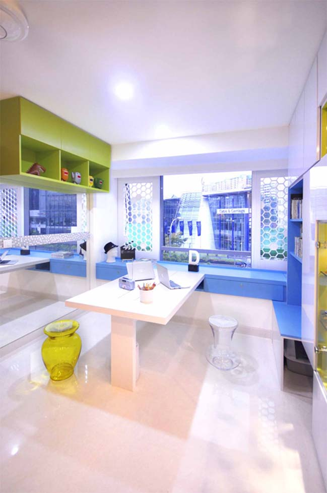 Colorful apartment in Singapore by HUE D