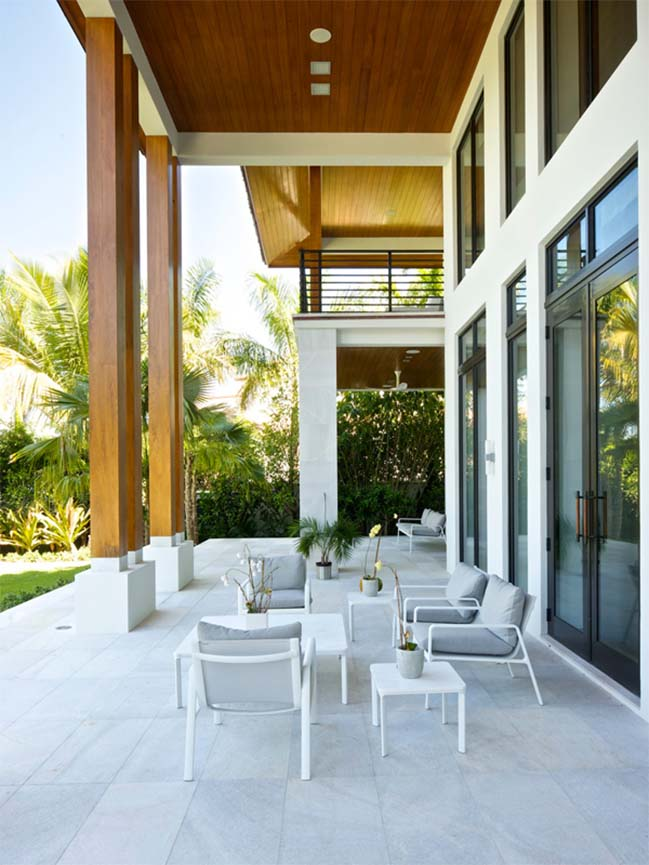Miami Beach Residence by KKAID