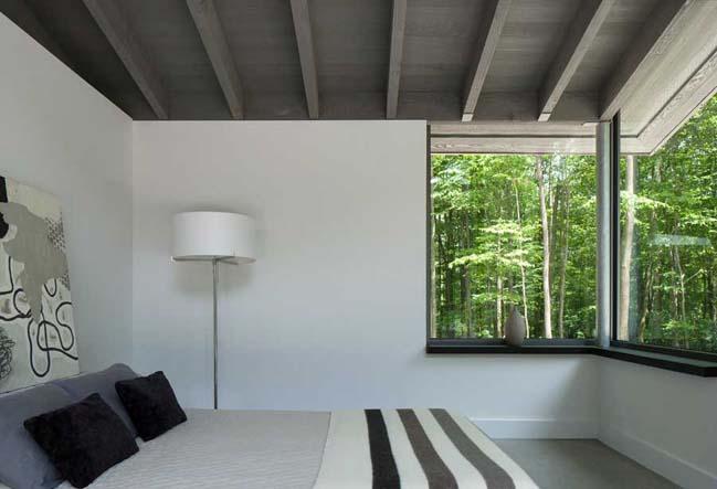 Bromont house by Paul Bernier Architecte