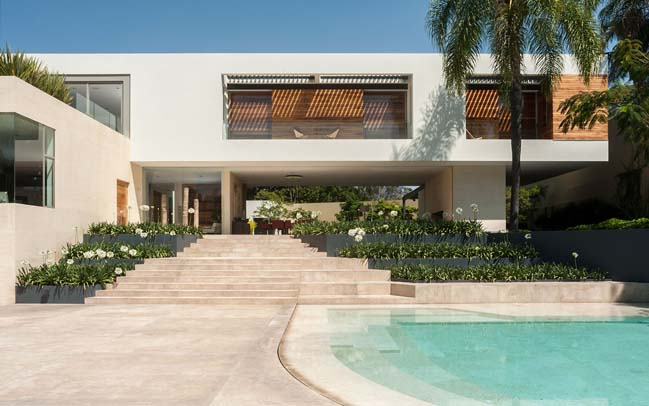 SJ House: Modern villa in Mexico