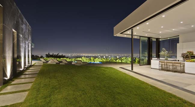 T-1 luxury villa in Los Angeles by McClean Design