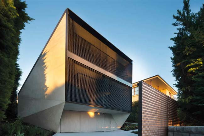 K House: Modern villa by Chenchow Little Architects