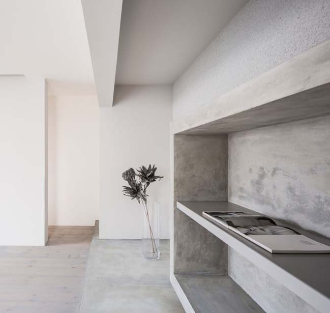 Black modern townhouse by Kouichi Kimura Architects