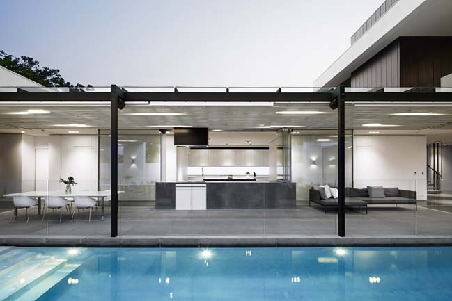 Luxury villa in Perth by Craig Steer Architects