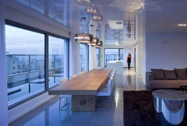 Luxury penthouse by Lev-Gargir Architects
