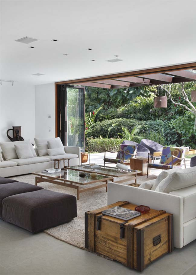 Natural house by Gisele Taranto Arquitetura