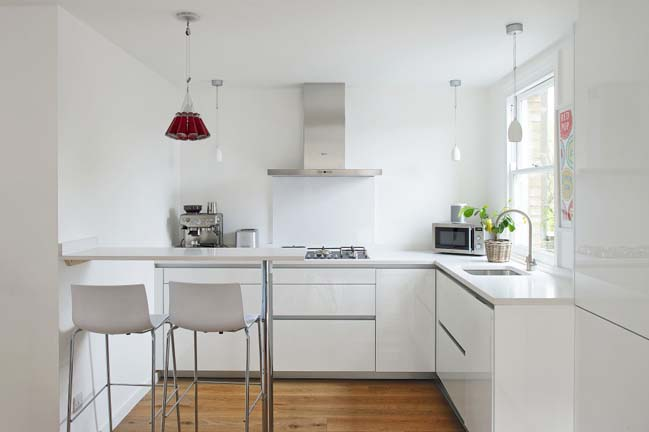 Apartment refurbishment by Dom Arquitectura