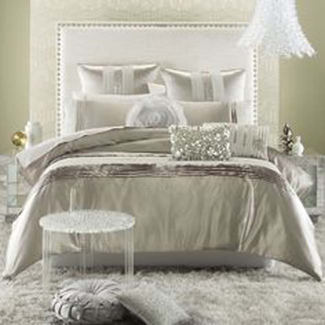 15 glamour silver bedroom designs for Glam bedroom ideas