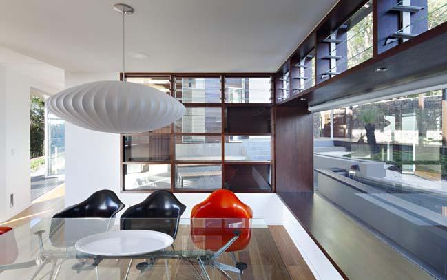 The Glass House Mountain House by Bark Design