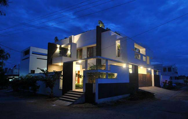 Modern villa by Murali Architects