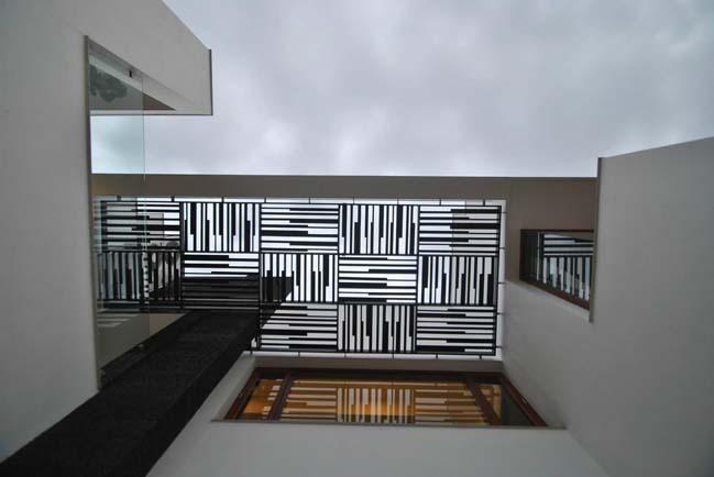 Modern villa by Murali Architects