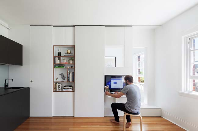 Small apartment 27sqm by Brad Swartz Architect