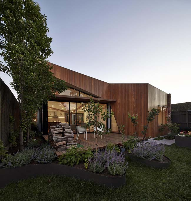 Diagonal House by Simon Whibley Architecture