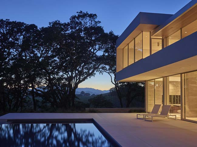 Vineyard House by SWATT MIERS Architects