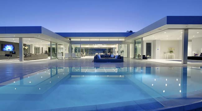 Carla ridge dream house in beverly hills california for Villa de luxe contemporaine