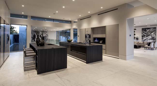 Carla Ridge: Dream house in Beverly Hills, California