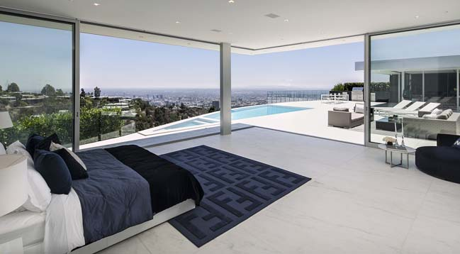 Carla Ridge: Dream house in Beverly Hills, California