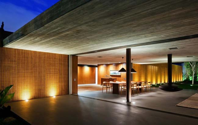 Natural villa in Brazil by Studio MK27