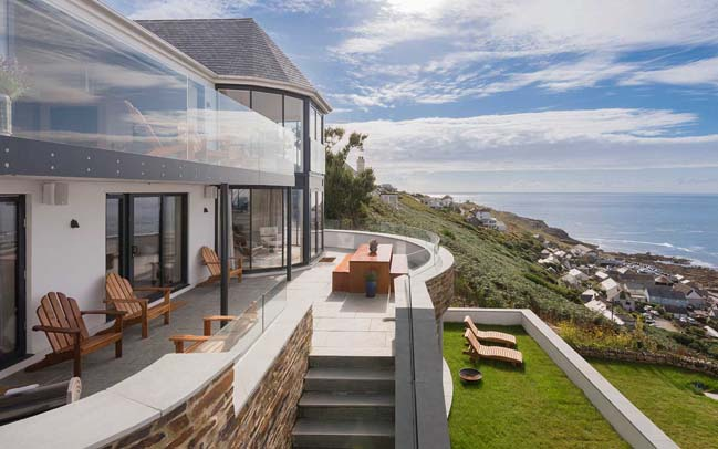 Dream house in United Kingdom by Laurence Associates