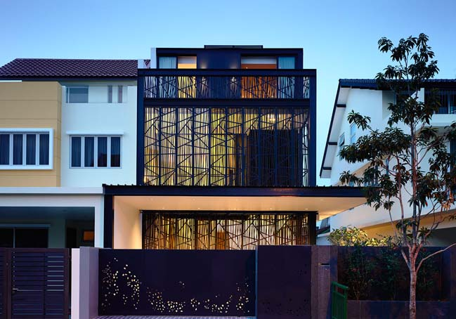 Natural Geometry: Semi-detached house by HYLA Architects