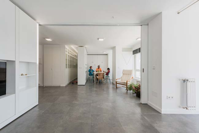 Modern apartment with rotating walls by pkmn architecture for Design apartment 50m2