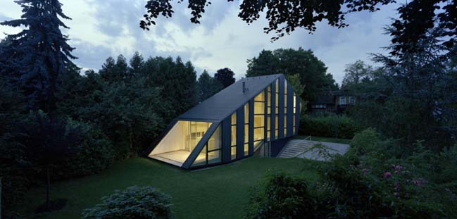 Haus W: A house just like a hoilday by Pott Architects