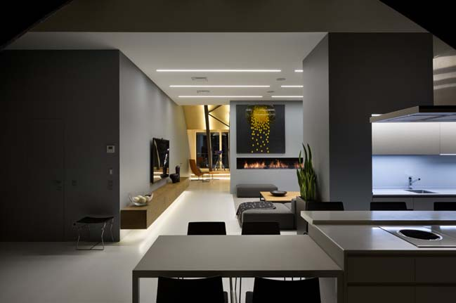 High Lounge: Luxury apartment by ArchObraz