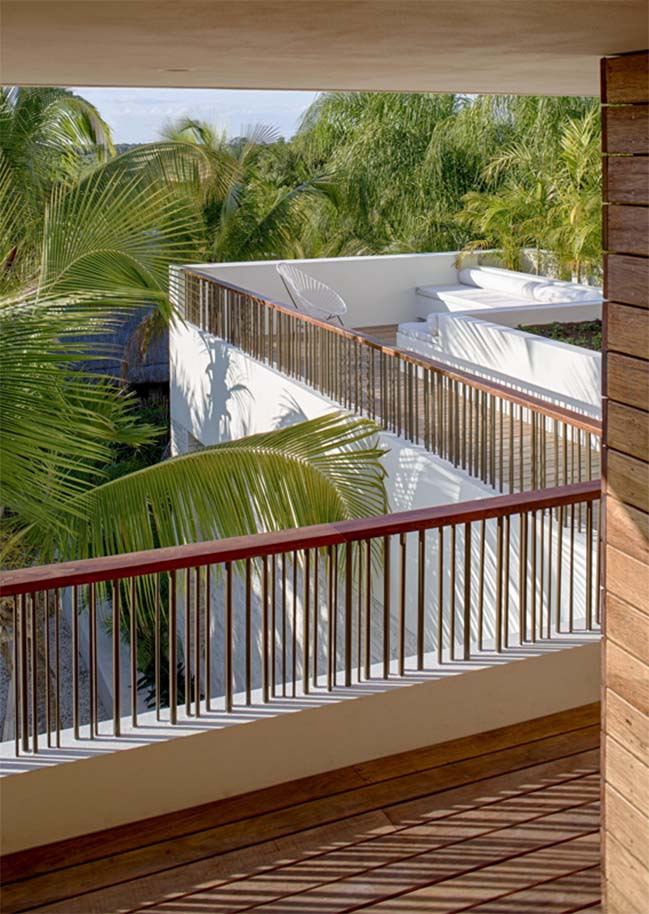 Beachfront villa in Mexico by Specht Harpman