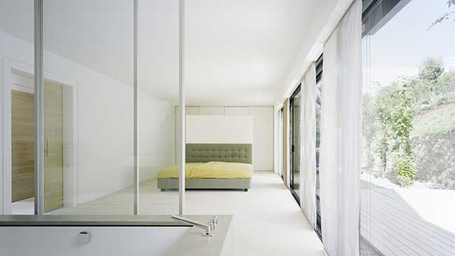 White modern villa by Steimle Architekten