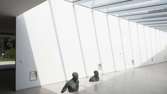 Contemporary home design by Lab32 Architecten
