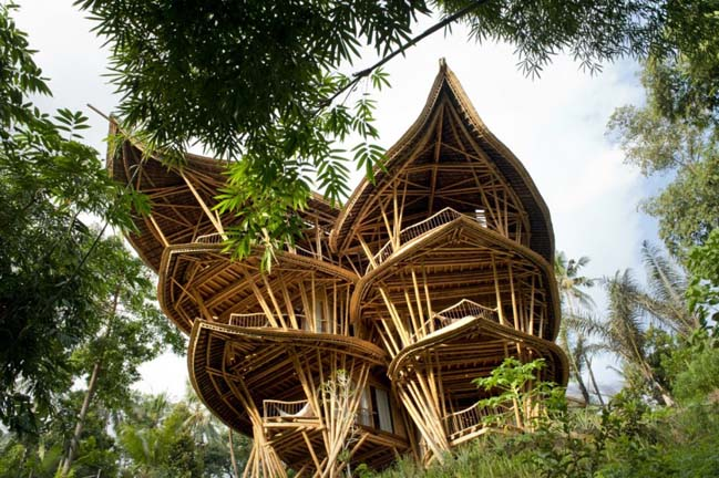 Bamboo house by Ibuku