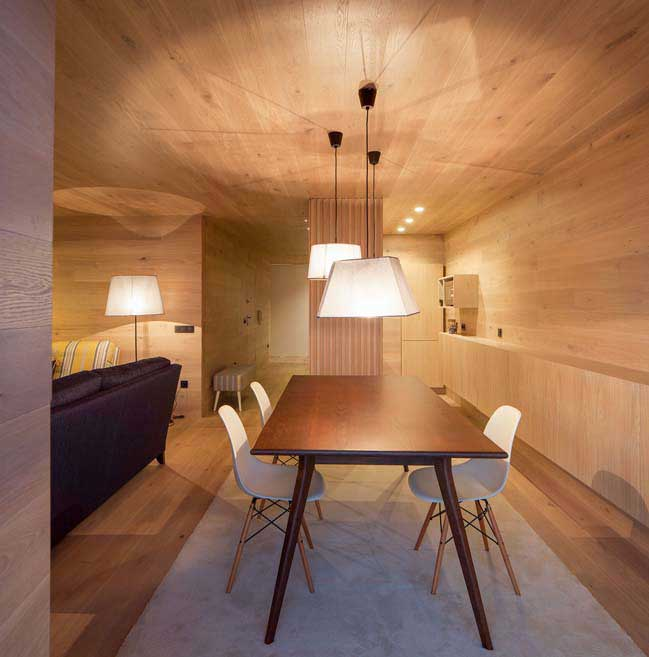 Transform an old apartment into cozy wood house