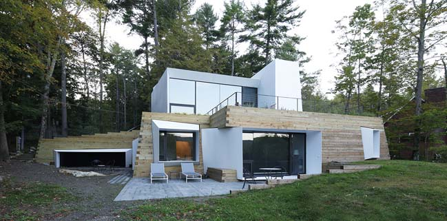 Lake House by Taylor and Miller Architecture