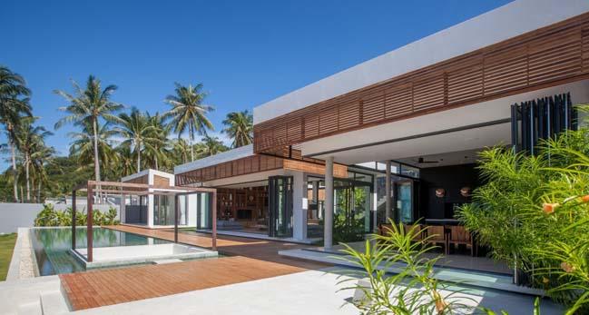 Malouna villa by Sicart and Smith Architects